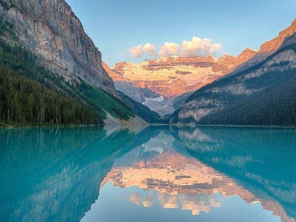 Le lac Louise, dans le parc national de Banff, province de l'Alberta, Canada.
