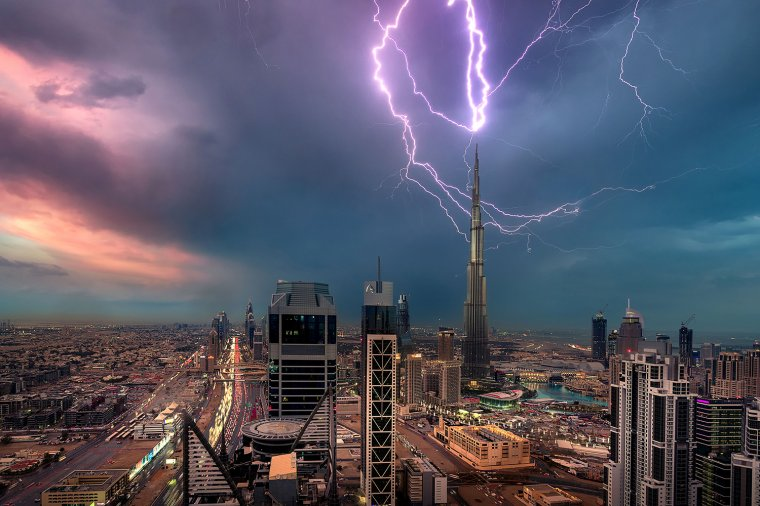 Plus grande tour du monde : Burj Khalifa, Dubai.....