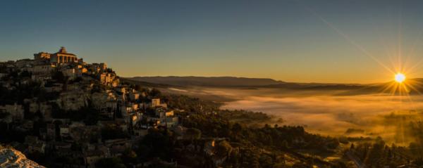 Coucher de soleil n°7 sur le village de Gordes non loin de chez...
