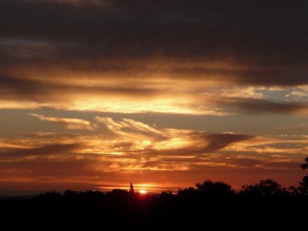 Coucher de soleil n°8 sur Bouzillé, commune du Main-et-loire (49)......