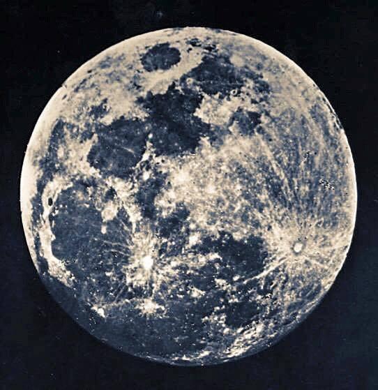 C'est la toute première photo de la pleine lune. New York, 1840...