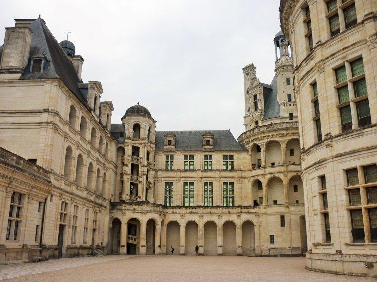 Le Château de Chambord, Loir-et-Cher, France.....