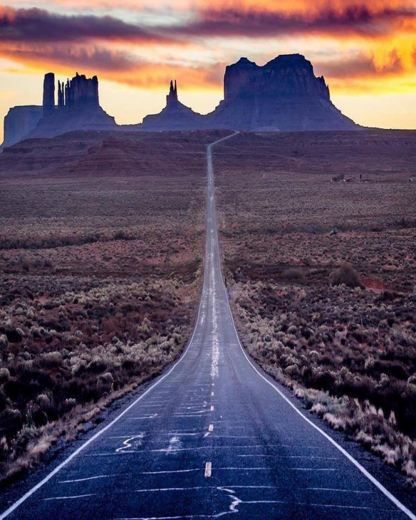 Monument Valley, Utah USA...