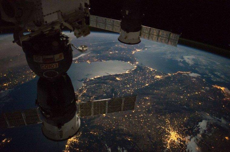 Le sud de l'Espagne, le détroit de Gibraltar et la côte nord Africaine ......