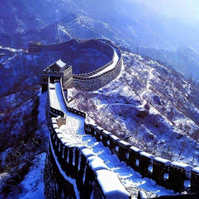 Neige sur la Grande muraille de Chine.....