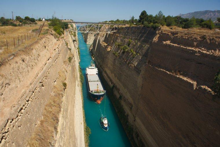 Le canal de Corinthe, Grèce.....