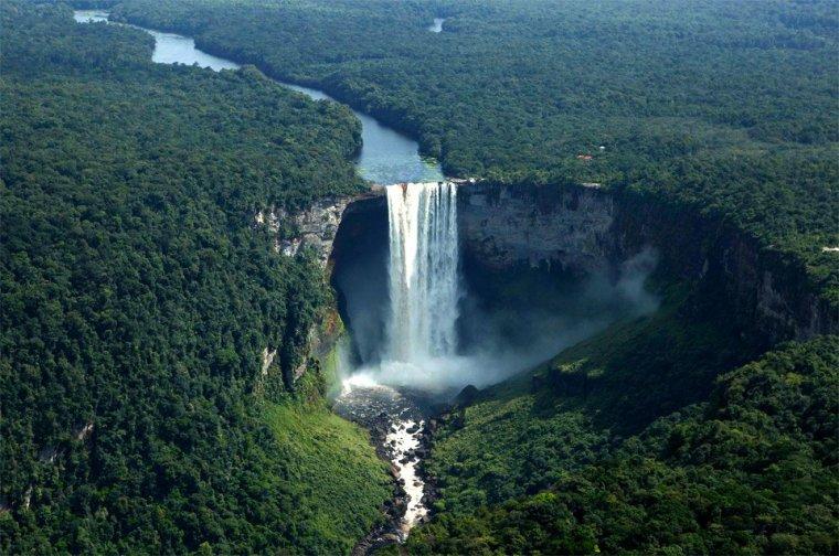 Les chutes de Kaieteur, Guyana...