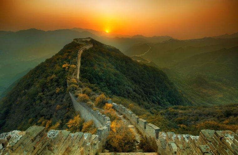 La Nature reprend ses droits sur une partie abandonnée de la Grande Muraille de Chine...