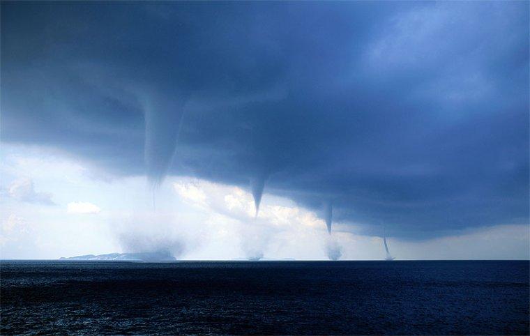 Trombes d'eau sur la mer Adriatique.....