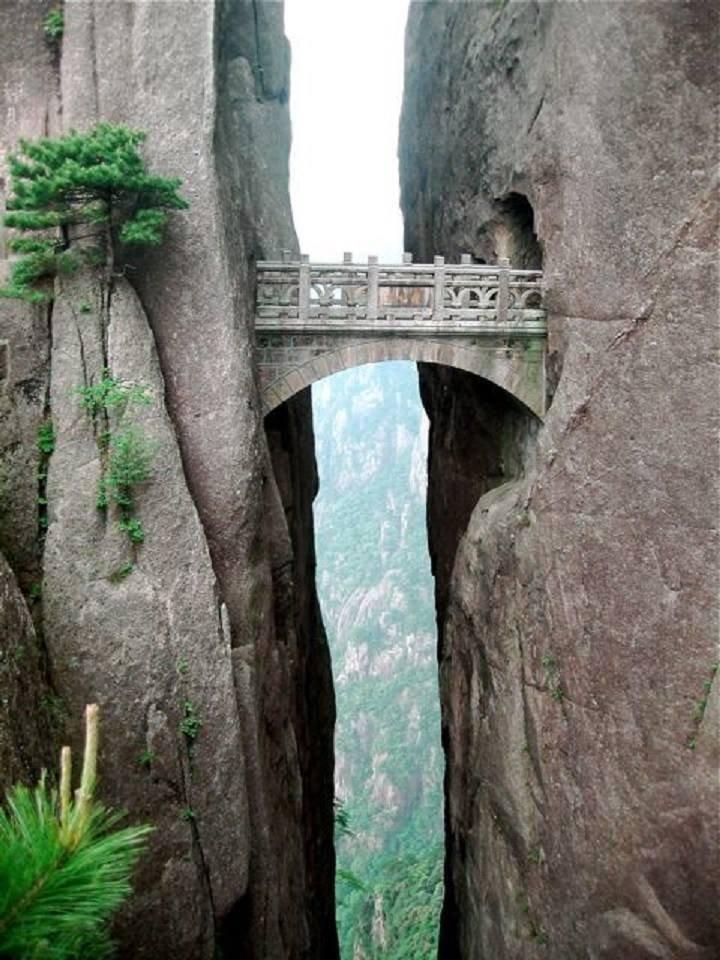 Le Pont des immortels, Huanghsan, Chine....