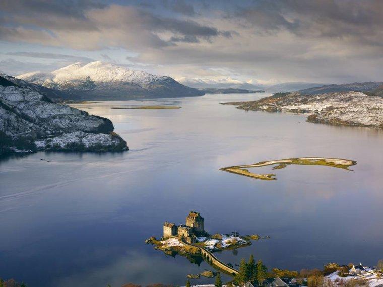 Emblème des Highlands et de l'Écosse, le château d'Eilean Donan....