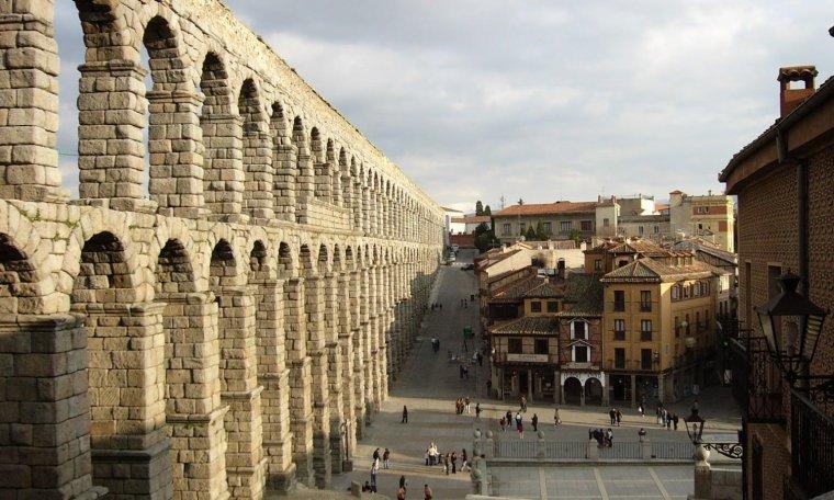 L'aqueduc romain de Ségovie, Espagne....
