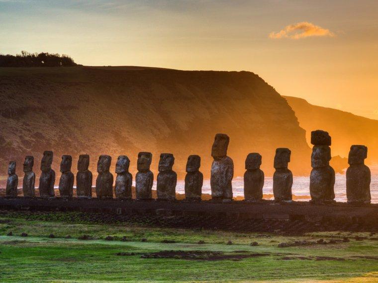 L'île de Pâques, le bout du monde.....