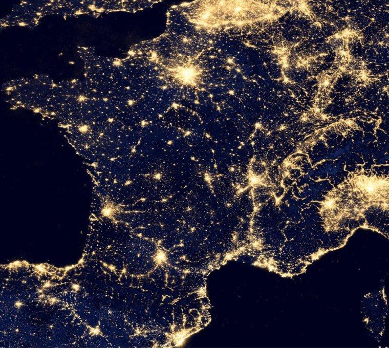 Notre France, étonnante vu de nuit....