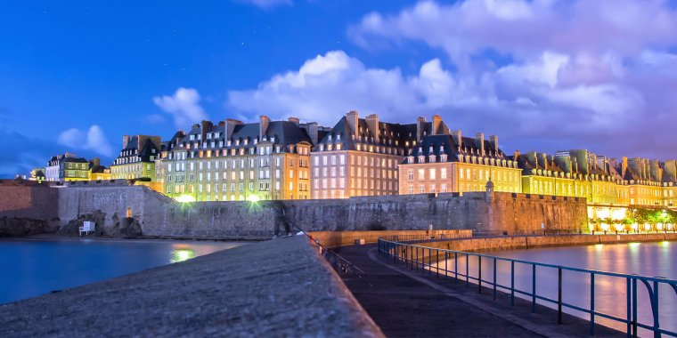 Saint-Malo, cité corsaire bretonne, célèbres remparts. Ille-et-Vilaine (35), France.....