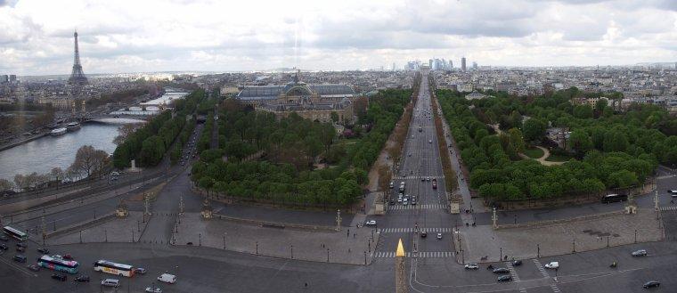 Avenue des Champs-Élysées Paris, France.....