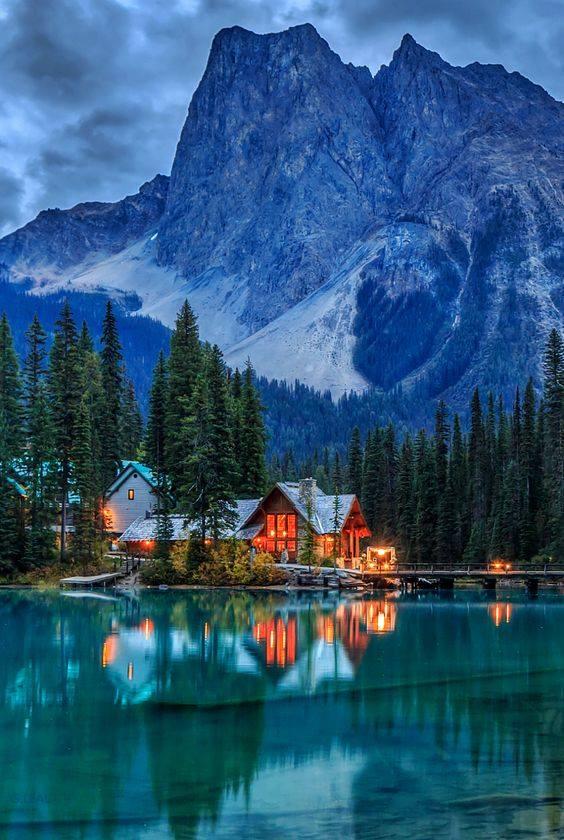 Lac Emerald, parc national Yoho, Colombie-Britannique, Canada....