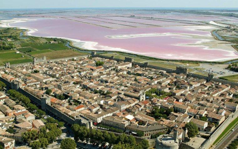 Aigues Mortes, les salants, France....