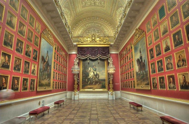 Le musée de l'Ermitage, Saint-Pétersbourg, Russie...