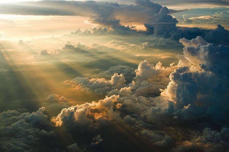 Coucher de soleil n° 22... au dessus des nuages...