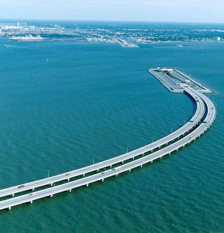 Le pont de l'Øresund, Suède et Danemark.....