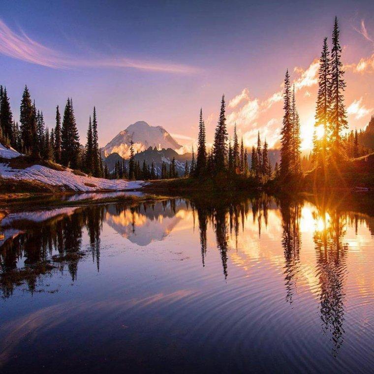 Coucher de soleil n° 26, Mont Rainier, Washington, USA...