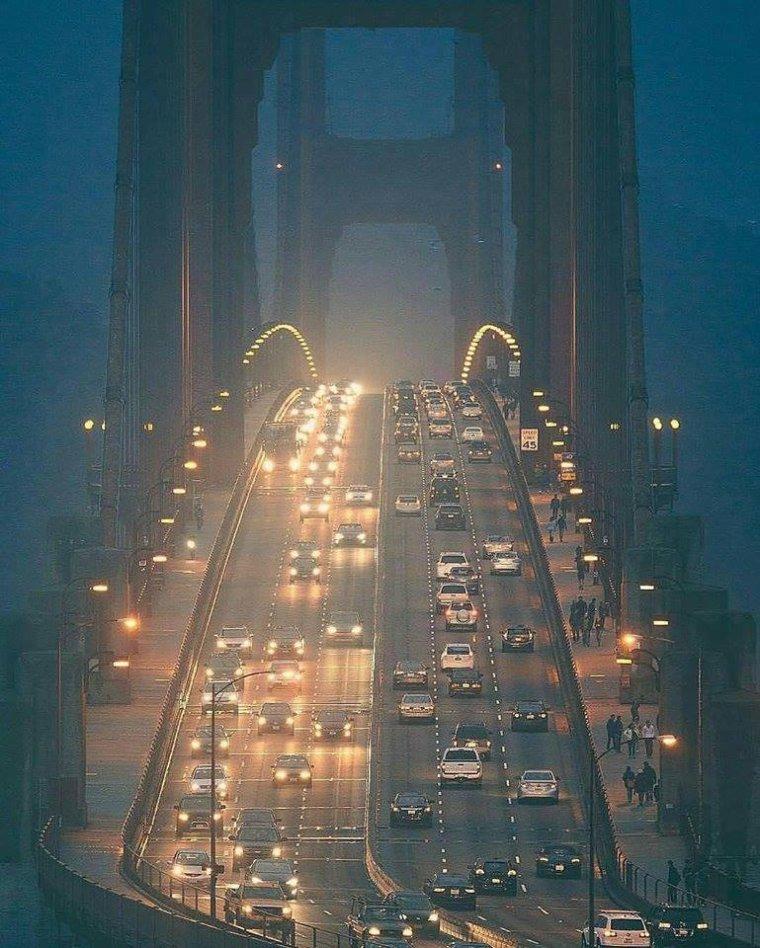 Une vue original du Golden Gate de San Francisco, USA...