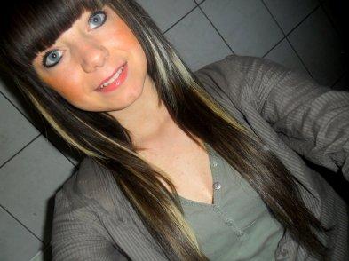 Lornaa . 16ans . Prise . Amoureusse . De : Diego .