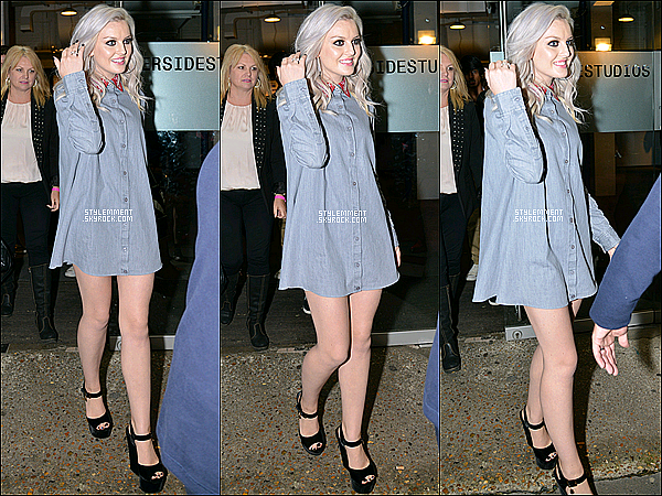 26/09/2012 | Perrie sortant des studios de l'émission Celebrity Juice à Londres.