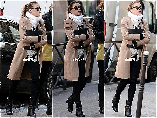 17/01/13 | L'actrice Amber Heard a été photographié dans la capitale parisienne.