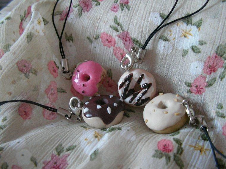 4 donuts strap