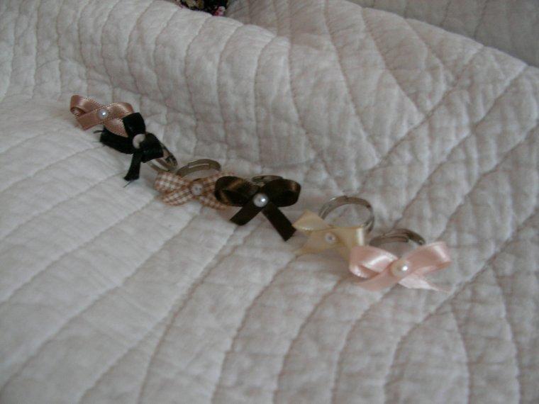 6 bagues n½ud satin perle nacrée