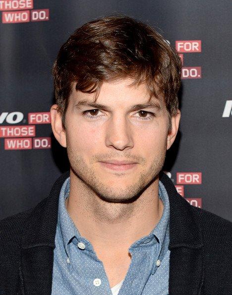 Ashton Kutcher nommé Lenovo ingénieur produit et lance Tablet Yoga à YouTube spatiale LA le 29 Octobre 2013
