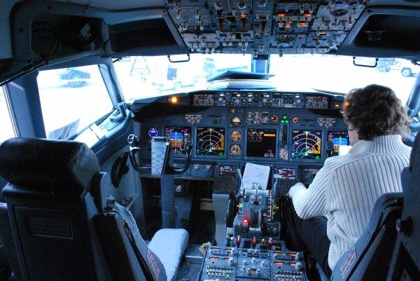 Cockpit du 737-800 Ryanair (EI-DLT)