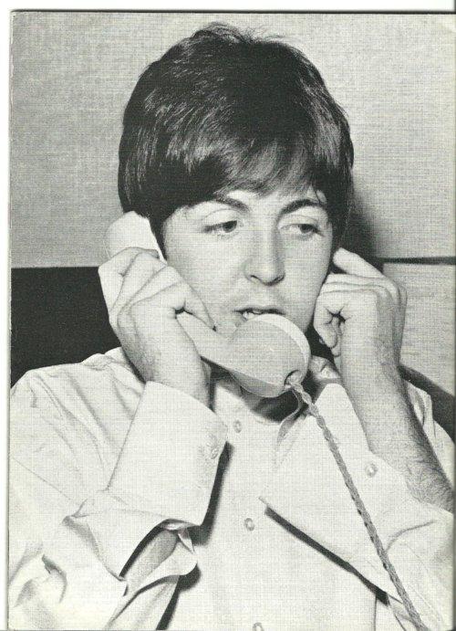 Paul & un téléphone =)