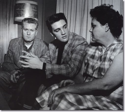 Photos : Elvis Presley Graceland + Armée induction au bureau Tirant d'eau Le  24.Mars .1958