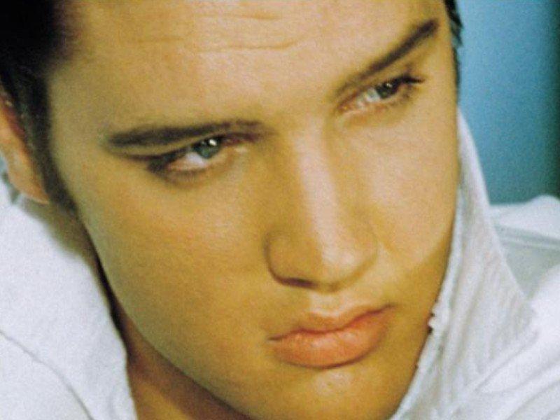 Photos , Mes Créations Videos  Lien a Mon Site etcccc ........ De Elvis Presley
