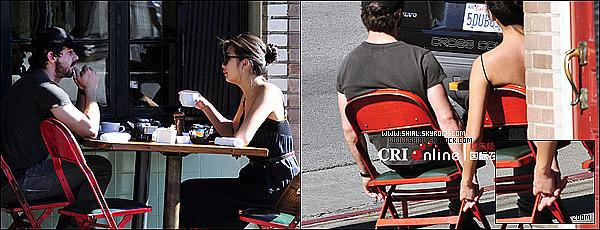 __♦ Candids27 Decembre 2010 : Shia a été vu à Los Angeles avec sa nouvelle petite amie ? .