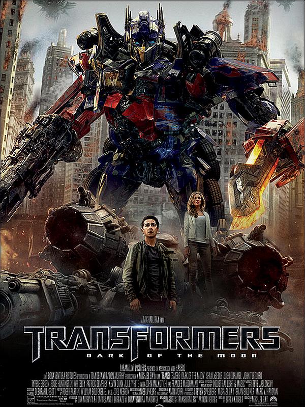 """__♦ Information Le site """"Ain't It Cool News"""" a diffusé la toute première critique de Transformers 3."""