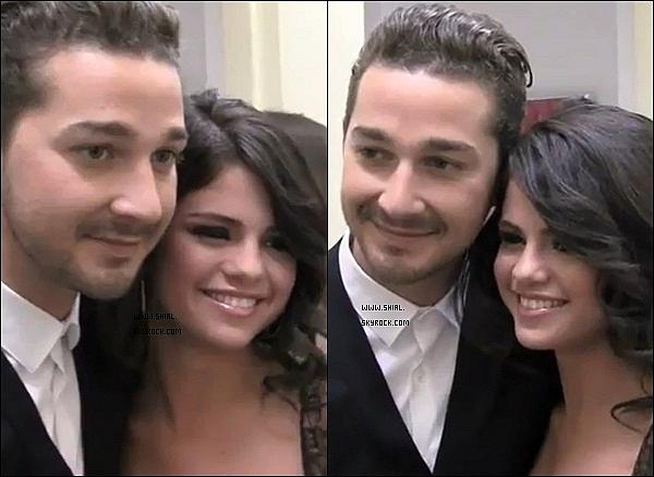 ; Selena Gomez souhaité depuis longtemps rencontrer Shia. Elle a pu enfin le rencontré dans les backstage. Selena Gomez est trop mignonne j'adore sa réaction ♥ Shia est comme toujours adorable avec ses fans! J'adore cette video.   :