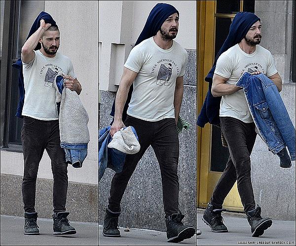 ; 10 Mars 2013:_ Shia Labeouf et Mia Goth sont aller se promener et prendre un petit café à New York. ;