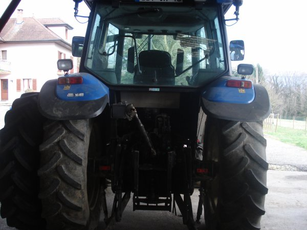 new holland ts100 de la ferme avec relevage avant