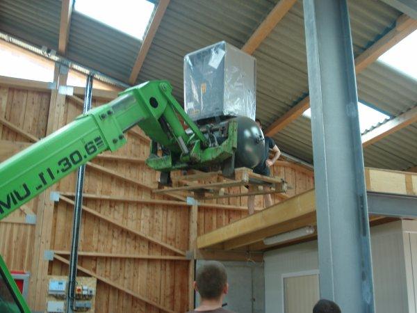 monter du compresseur d'air pour le robot sur le plancher