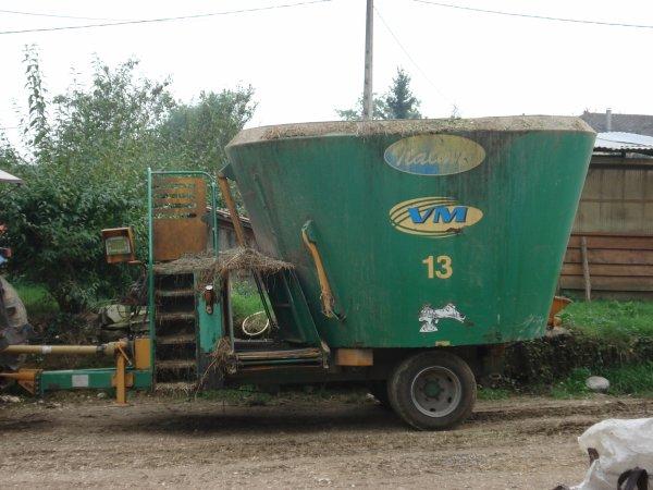 ford 6610 avec melangeuse italmix 13 m3