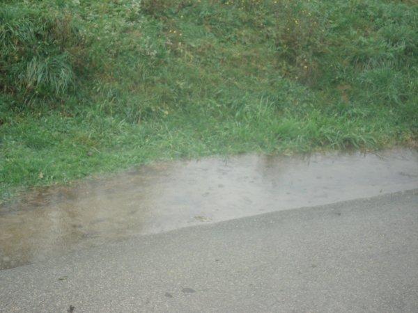 voila 4 jours qu'il pleut petite inondation a avressieux
