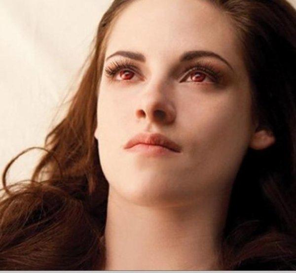 """Ciné-Tv: Vidéo """"Twilight 5"""" Les premières images de Kristen Stewart en vampire !"""