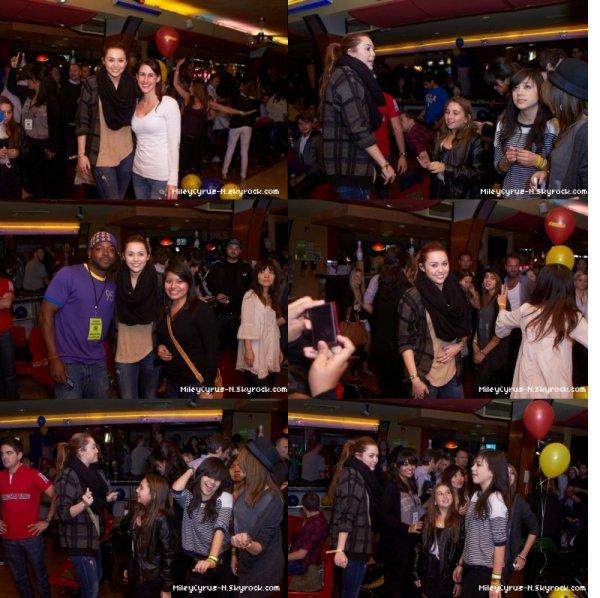 09.03.2011 : Miley s'est rendue a l'évenement caritatif Stars and Strikes a Studio City ,  LA .