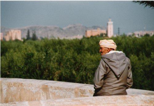 """La Solitude  3Umar a dit : """" Il y a, dans la solitude, une volonté de fuir les mauvaises fréquentations."""" ( ou il a dit : """" ... des mauvais comportements."""")  Az-zuhd al-kabîr, d'Al-Bayhaqî n°118."""
