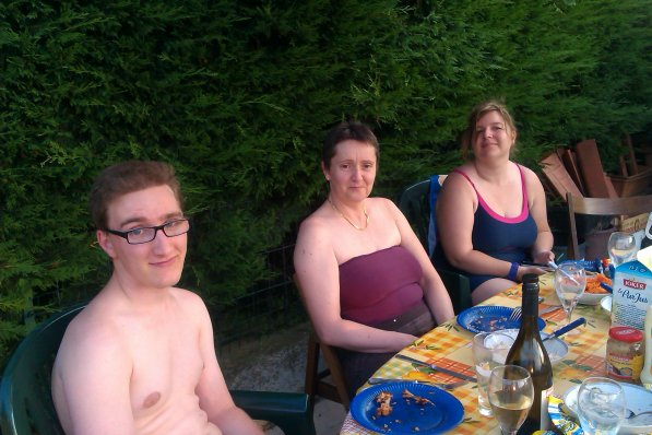 Lundi 15 Juillet 2013 défi cirque et soirée piscine barbecue chez Nadine