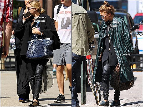 12 septembre : Les filles ont été photographié se promenant en matinée dans les rues de New York City.